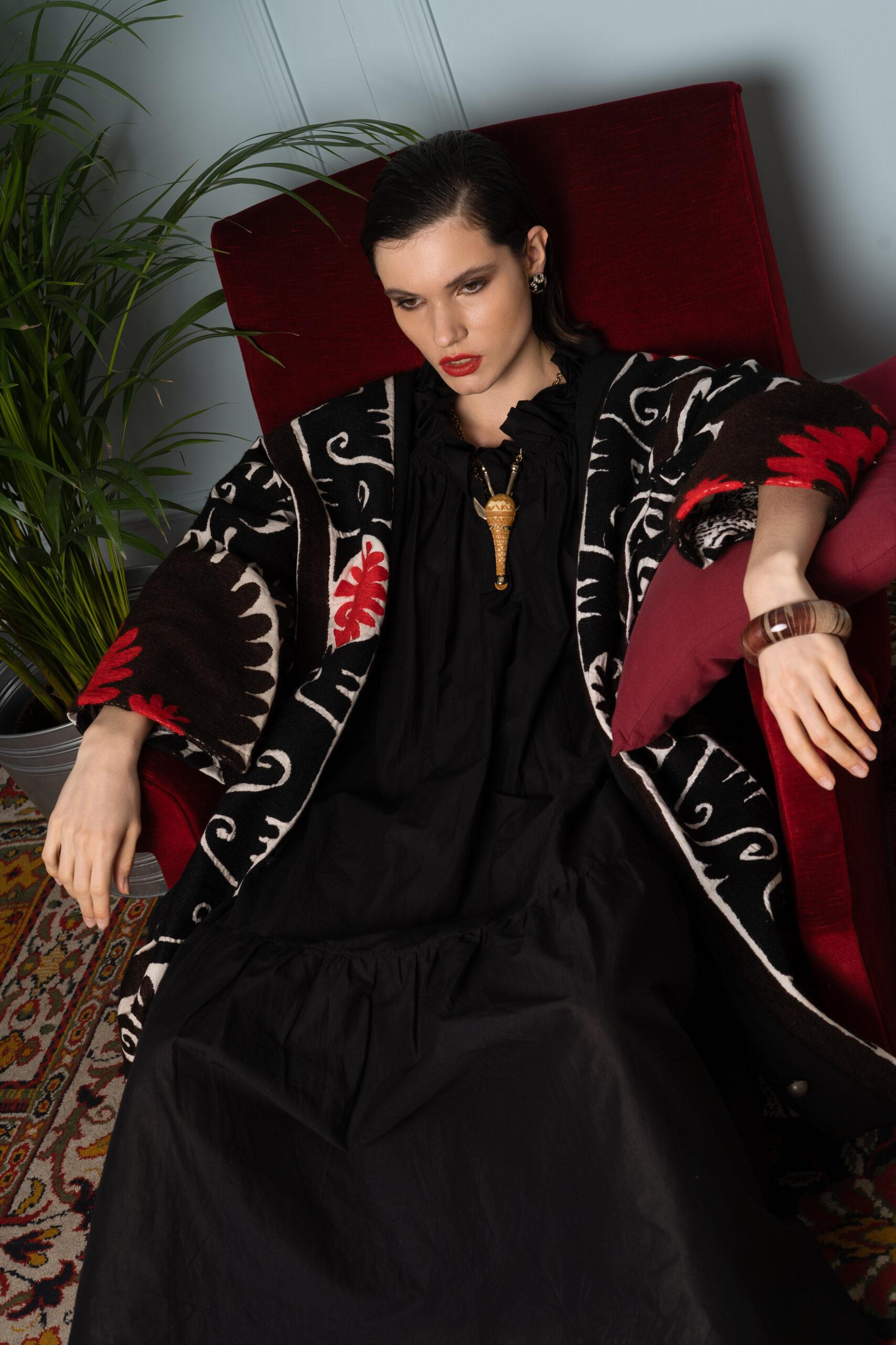 Bestickte Vintage Mantel